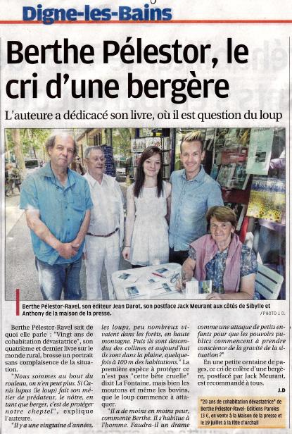 Le-loup-La-Provence-040715